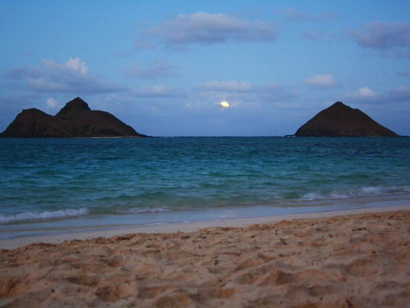 Blue moon over Lanikai - Hawaii